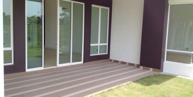 EL-Living room patio